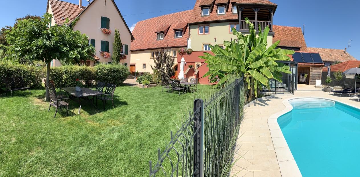 Gites-Alsace-jardin-piscine
